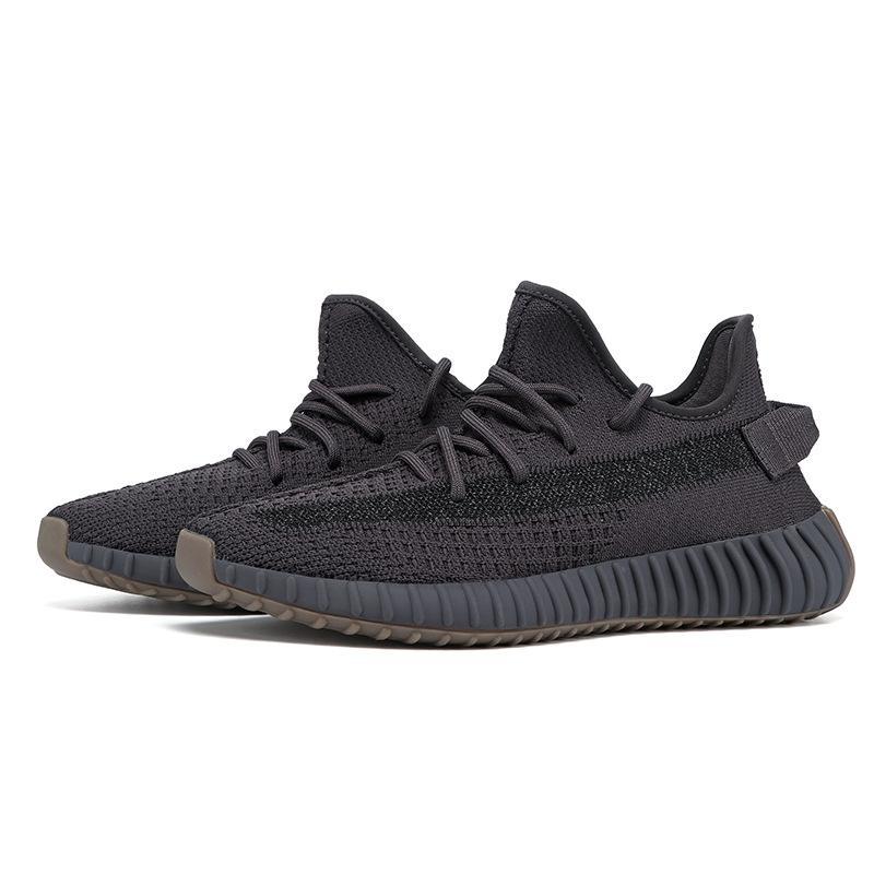 2020 Fashion Luxury Designer Femmes Chaussures Hommes super Lune rougissent rat du désert Kanye West statique coureur de vague en cours Sneakers # QA510