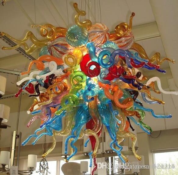 Nouveaux produits 2020 Hot Sale Europe en verre de Murano style a conduit la lumière en verre soufflé Lustre Art et Suspensions