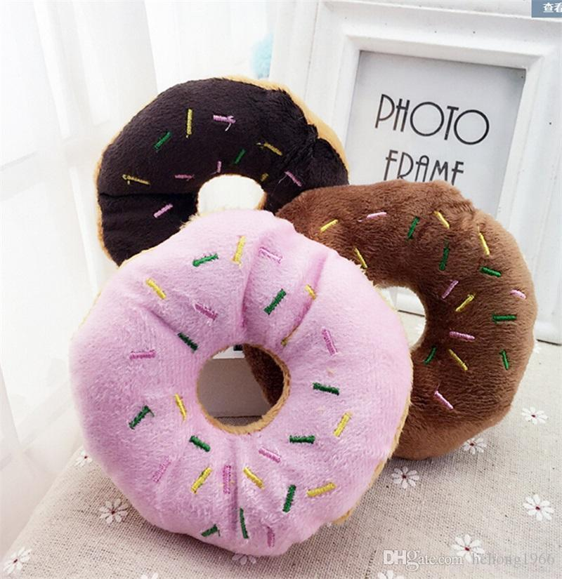 Soft Brown Kaffee Schöne Donuts Quietsche quietschende Plüsch-Ton-Welpen-Katze-Spielzeug Lustige Donut Dog Chew Spielzeug Hot Verkauf 2gc Werfen