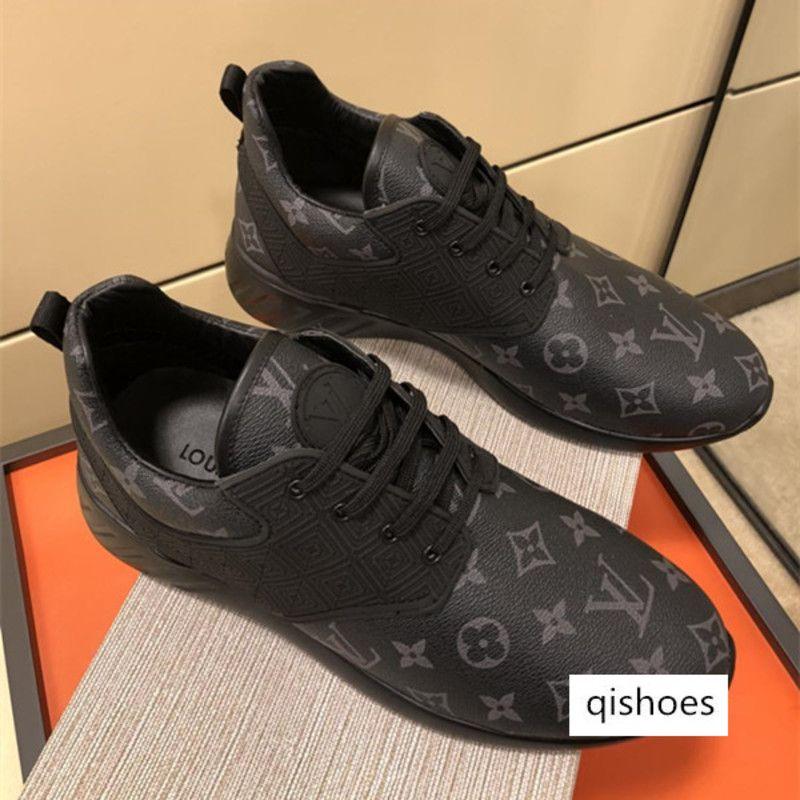 Marke Rabatt 2019 Designer Luxusschuhe Triple-Balck Weiß Mode Luxus Männer Frauen Turnschuhe beiläufige lederne Schuhe Läufer Trainer-Sport-Sh