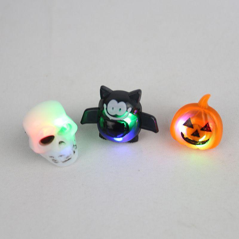 2 개 할로윈 소품 깔끔한 장난감 할로윈 호박 해골 박쥐 링 조명 조명 LED 링 해골 / 호박 / 박쥐