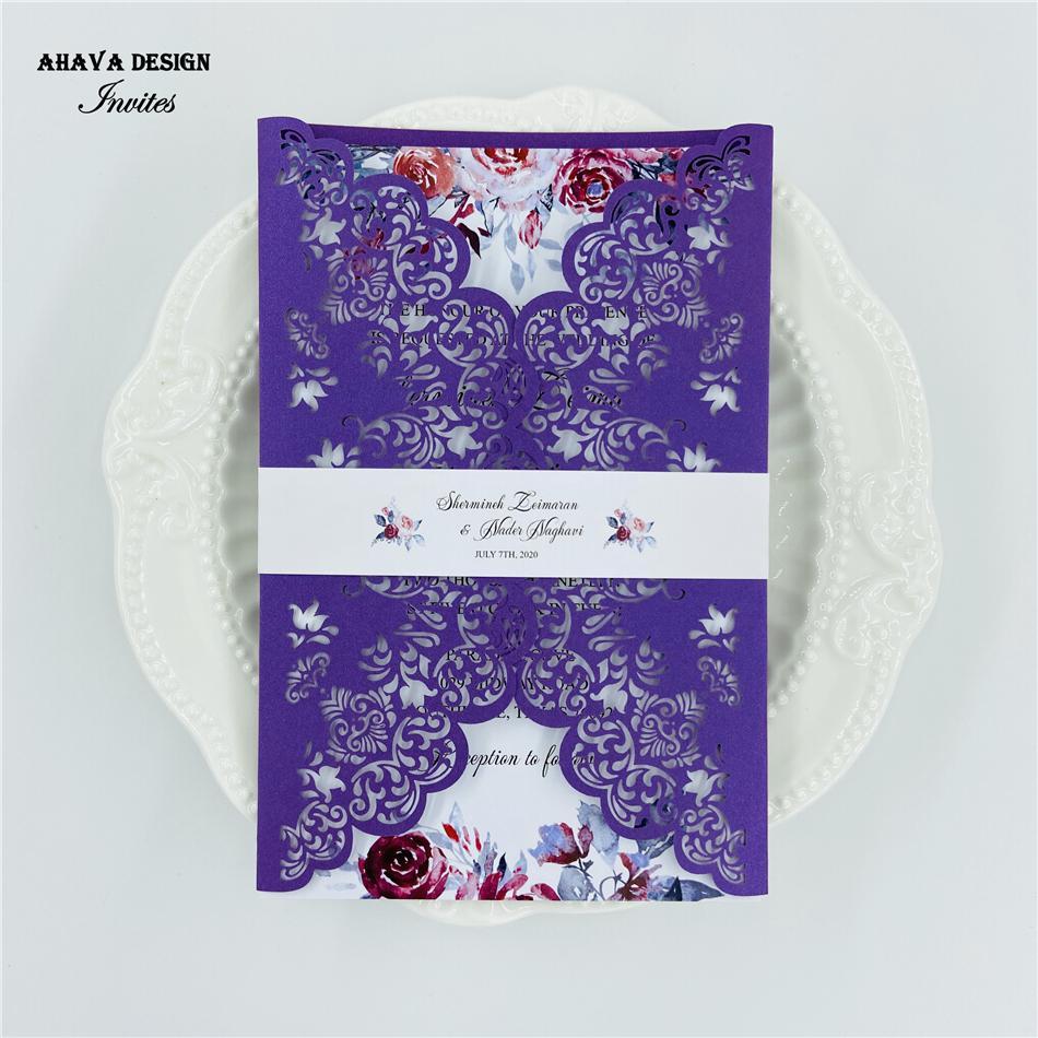 Superbe laser violet coupe d'invitation de mariage, Invitations Suite avec bande de ventre sur mesure, insérer et enveloppe