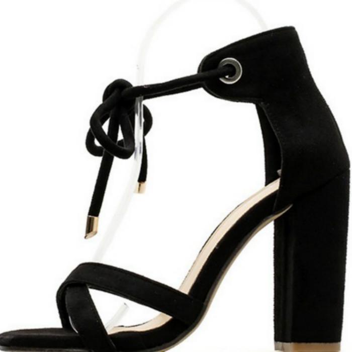 La nueva manera del verano de 2020 versátil talones gruesos zapatos de gamuza romana toe zapatos de punta agujereada correa de sandalias para la comodidad de tacón alto