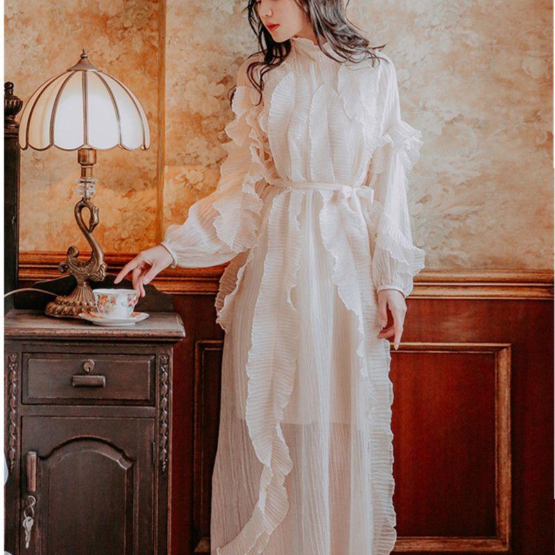Üst düzey Pist Elbise 2019 Kadınlar İlkbahar / Maxi Uzun Elbise fırfır Şık Uzun Kollu Beyaz Pileli Güz