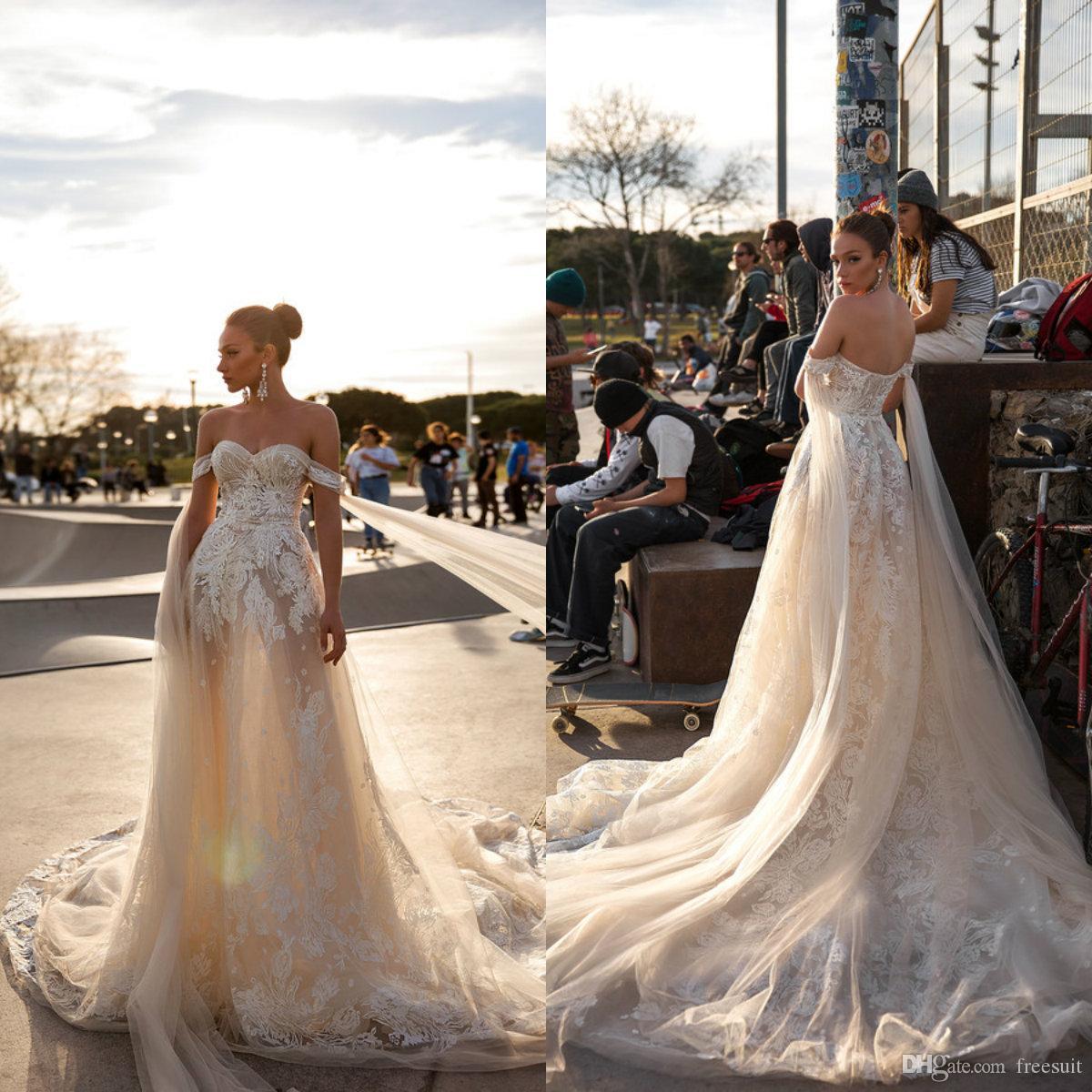 2020 Cristal Diseño Una línea vestidos de novia con cuentas apliques barrido novia vestidos de novia de encaje de tren por encargo Vestidos de boda