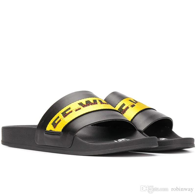 New Stamp Designer SB Slipper Para Summer Beach falhanço de aleta preto Ouro Branco Mens Casual Sandals Mulheres interior antiderrapante Mens Sports Loafer
