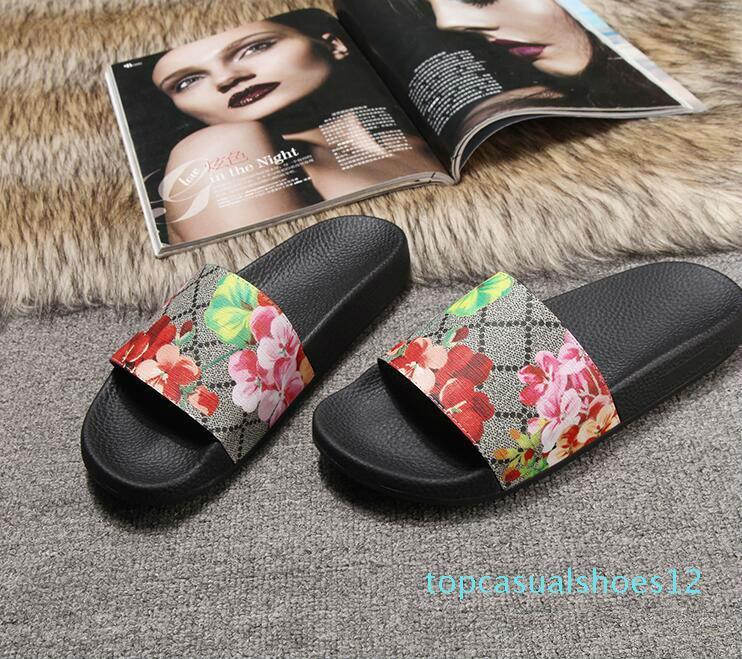 Erkekler Kadınlar Sandalet Tasarımcı Ayakkabı Lüks Slayt Yaz Moda Geniş Düz Kaygan Sandalet Terlik Flip Flop boyutu 35-46 çiçek kutusu T12