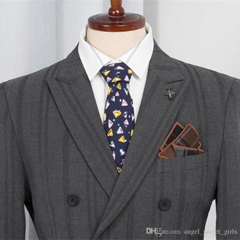 2020 Повседневный костюм Set 3 шт (куртка + брюки + жилет) Полосатый Двойной Брестед West Стройный Свадебное платье Groomsmen Groomsmen