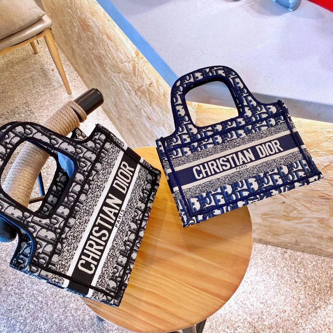 La nouvelle toile Lettres brodés Portable Panier Marque Sac à main avec le nouveau Tide Sac à main Fashion Star 8 # 112