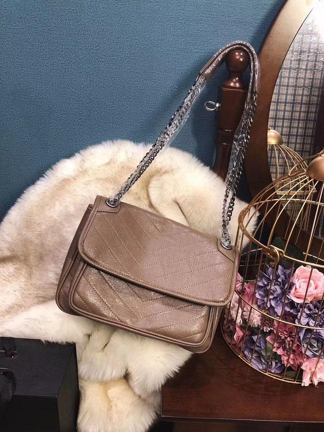 Freies Verschiffen 2019 hochwertige Frauen-Geldbeutel-Handtasche 28cm berühmter Rucksack Designer Rucksack Frauen lässige Umhängetasche vier Farben Tasche