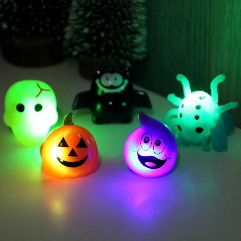 Хэллоуин игрушки Маленькие подарки Хэллоуин подарок Партия палец светоизлучающие детские игрушки маленькие подарки тыква летучая мышь кольцо 2019