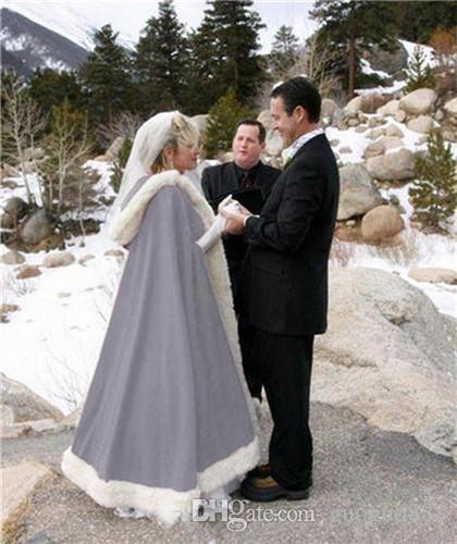 Winter Shawls Jackets Cape Faux Fur Christmas Cloaks Hooded Perfect Wedding Wraps Abaya Wedding Dresses