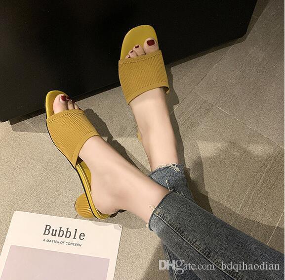 Qualitäts-PU-Slipper Sandalen, hergestellt in China. Die Fabrik Verkaufspreis Zugeständnisse # 588