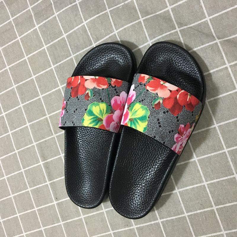 럭셔리 디자이너 신발 슬라이드 여름 해변 실내 디자이너 샌들 하우스 디자이너 플립 플롭 커플 없어 상자없이 슬리퍼