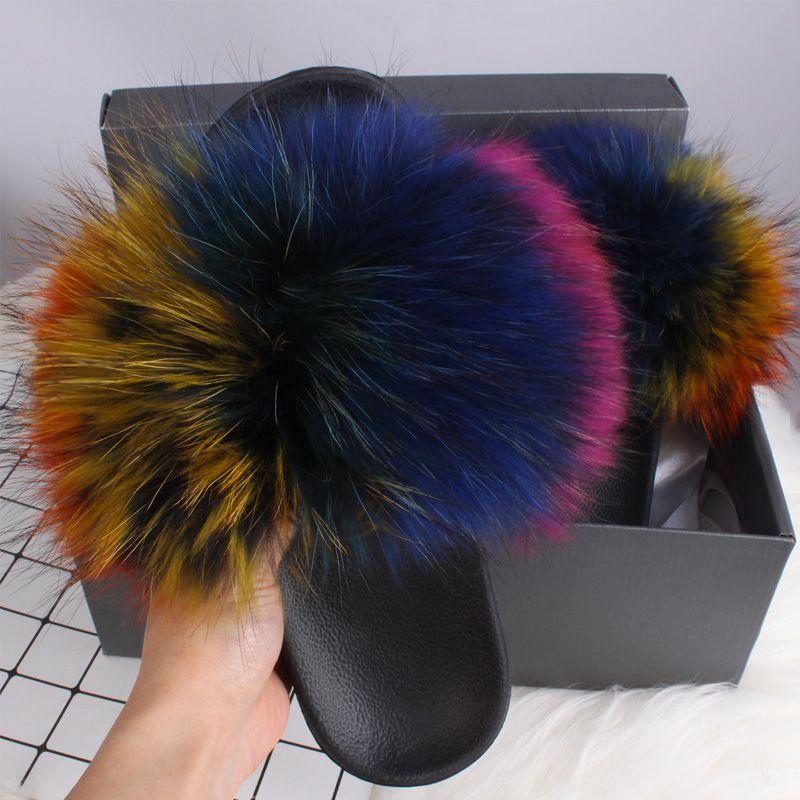 2020 HOT Echtpelzhausschuhe Frauen Sommer Slides Flip Flops Beliebte Fluffy Fur Sandelholz-Strand-Schuhe