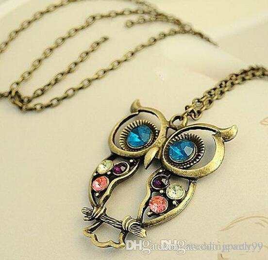 Long Chain Retro Hollow Owl Necklaces Women Antique Vintage Carved Crystal Owl Pendant Necklace Jewelry for Lovers Gift