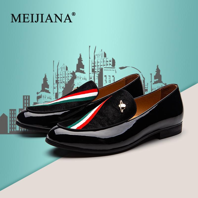 MEIJIANA вышивка и мягкие мягкие туфли мужские бархатные мокасины цвет полосы металлическая пряжка мужские платья плоские туфли