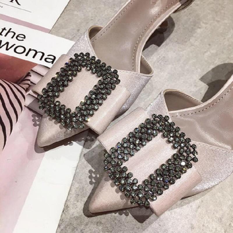 Tacco alto pantofole da donna e abbigliamento estivo 19 nuovi strass sandali sexy stiletto a punta con i singoli pattini