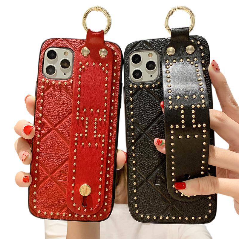 صندوق هاتف جلدي مقاوم للصدمات مع أغطية هاتف ريفيت الجلدية المصممة الفخمة ل iphone 11 / 11pro / 11 Pro Max / Xr / Xs