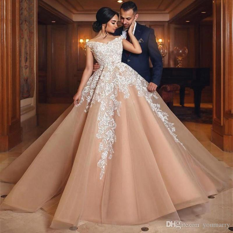 Luxury Ball Gown Wedding Dresses 2019 Blush Pink float and Lace Customize Back Zipper Bridal Gown Train Vestidos De Noiva