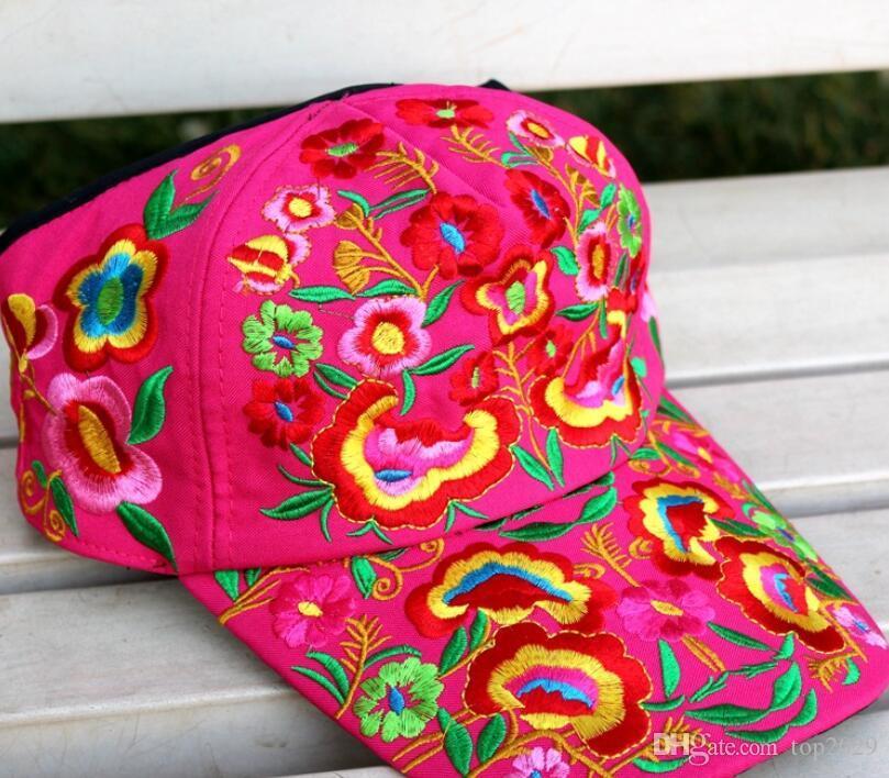 Boinas sombrero hombre mujer folk-custom pareja sombrero marca de moda Deportes al aire libre respirador sombreros Bordado 3d Flor sol Sombrero gorra de béisbol