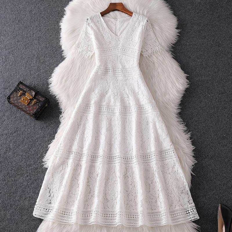 2020 İlkbahar Yaz Kısa Kollu V Yaka Beyaz Moda Dantel Kasetli Orta Buzağı Elbise Moda Günlük Elbiseler W15M 82315