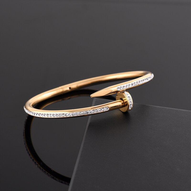 الجملة أزياء الرجال النساء زوجين سوار بلينغ الماس 316l الفولاذ الصلب صفعة سوار لا تتلاشى تصميم مجوهرات الإسورة مع مربع