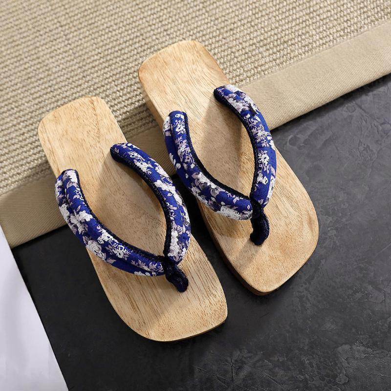 Japanische Art-Frauen Hausschuh Anime Cosplay Schuhe Traditionelle Geta Holz Frauen Paulownia Sandalen Weiblich zu
