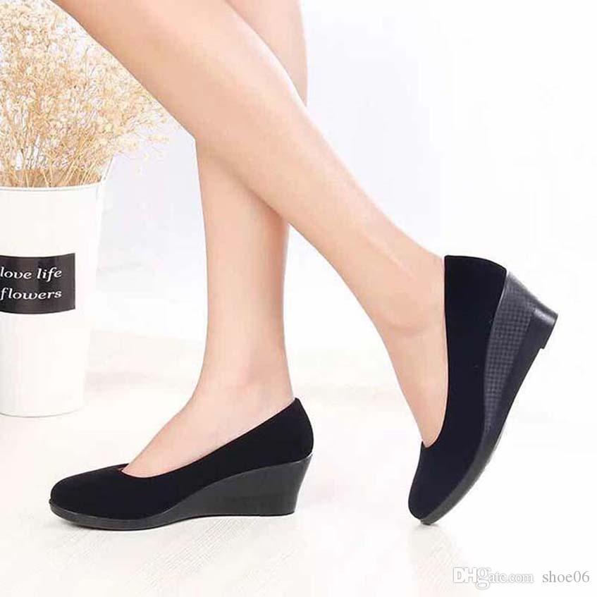 Avec la boîte Sneaker Chaussures Casual Baskets Mode Chaussures de sport de haute qualité Bottes en cuir Sandales Chaussons Vintage Air Pour Femme 06PX864