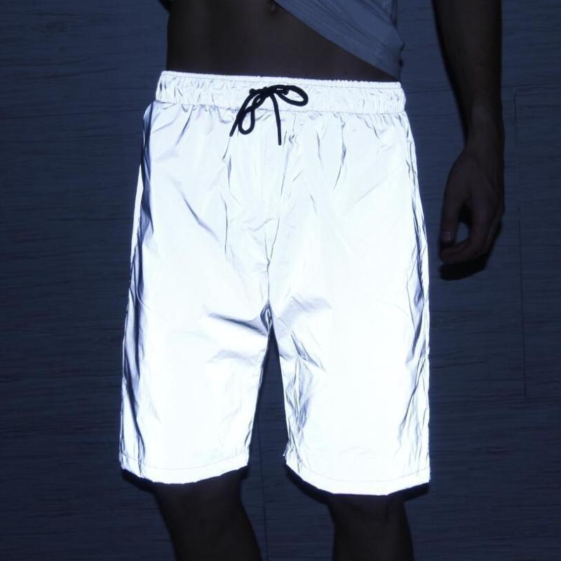 Pure Color uomini riflettenti Beach Shorts Nuova Outdoor Fashion Night equitazione Semplicità allentati bicchierini della spiaggia confortevole di alta qualità