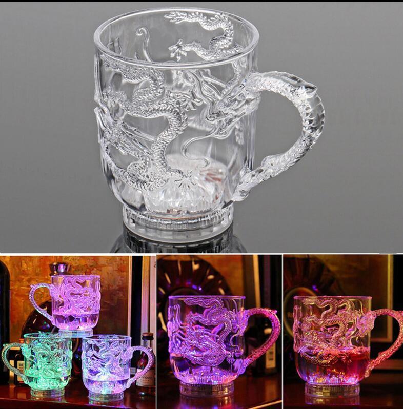 أكريليك لامعة الإبداعية الشاي المياه مضيئة كوب التنين صب المياه متوهجة الملونة ضوء التعريفي كأس زر مخبز 4 قطع