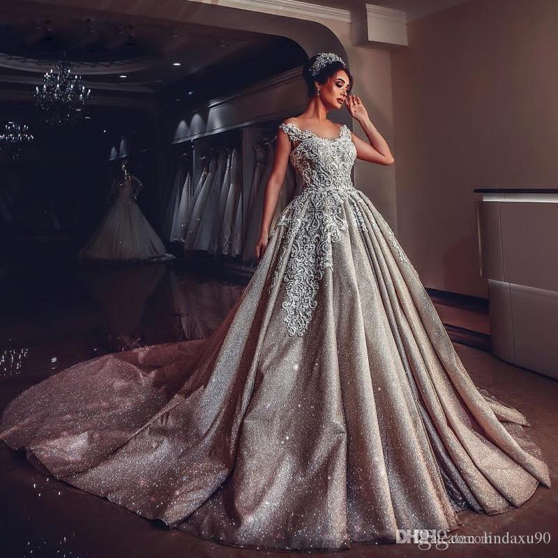 Luxe Dubaï bling bling robes de mariée spaghetti Strap lacent Retour Traîne De Vestidos Novia Plus Size Robe de mariée Robes de mariée