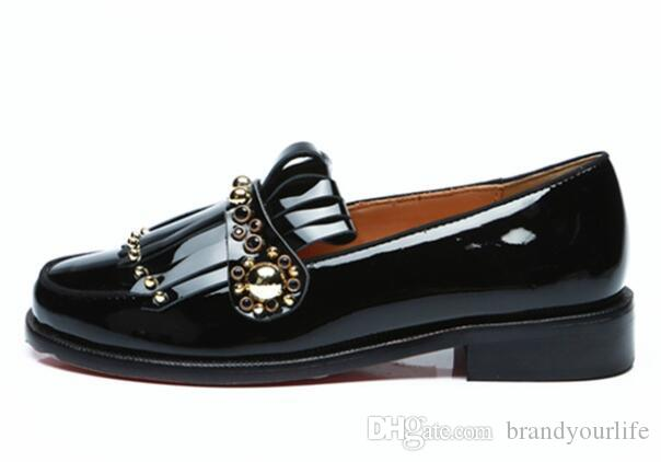 Homens De Couro Preto Franja Franja Borla Sapatos de Ouro Studs Slip-on Mocassins Sapatos Personalizados Homens Cor Vestido De Festa Sapatos