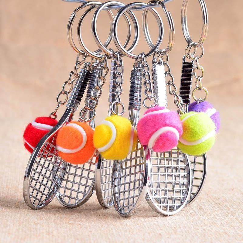 12pcs / Catene Lot chiave in lega Holder sfera di tennis Racchetta multipla di colore casuale sportivo Stile Uomo Donna Adolescente portachiavi portachiavi