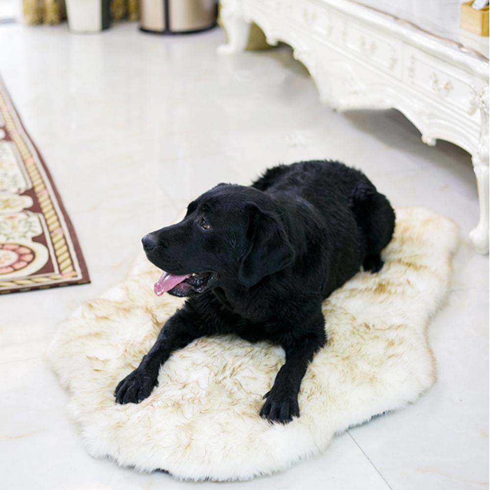 Faux Fur Orthopedic Dog Bed Curve White