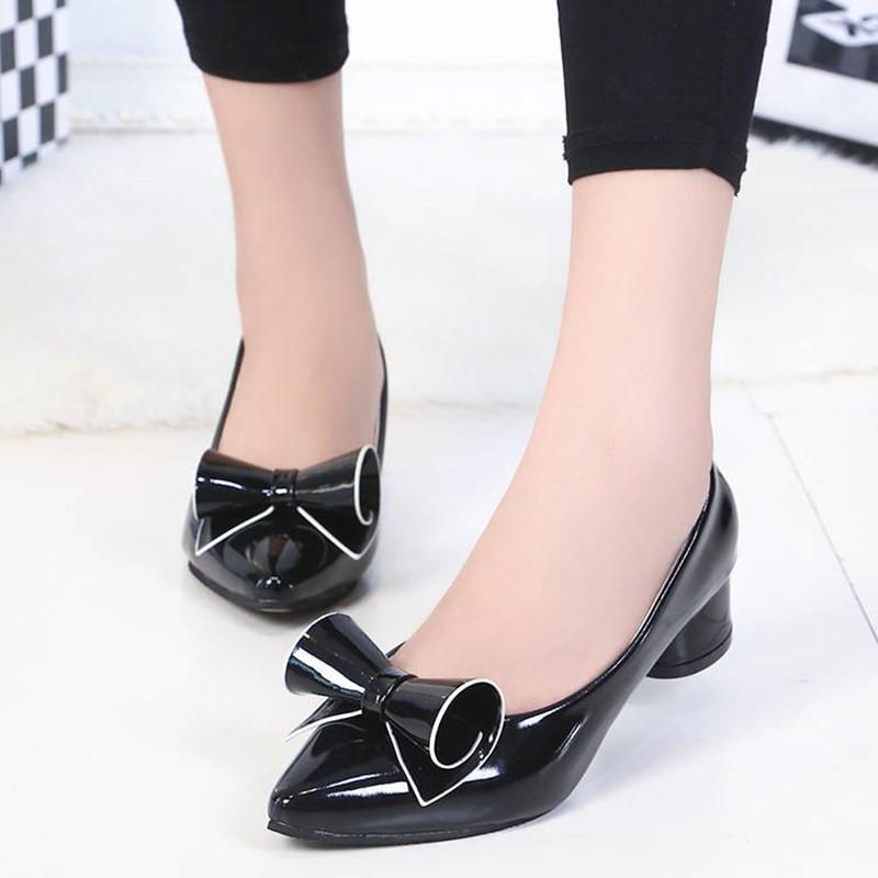 Горячая распродажа-плюс размер насосы Женская обувь 2019 острым носом партии туфли на низком каблуке с бантом женская лакированная кожаная обувь каблуки женщина свадебная обувь