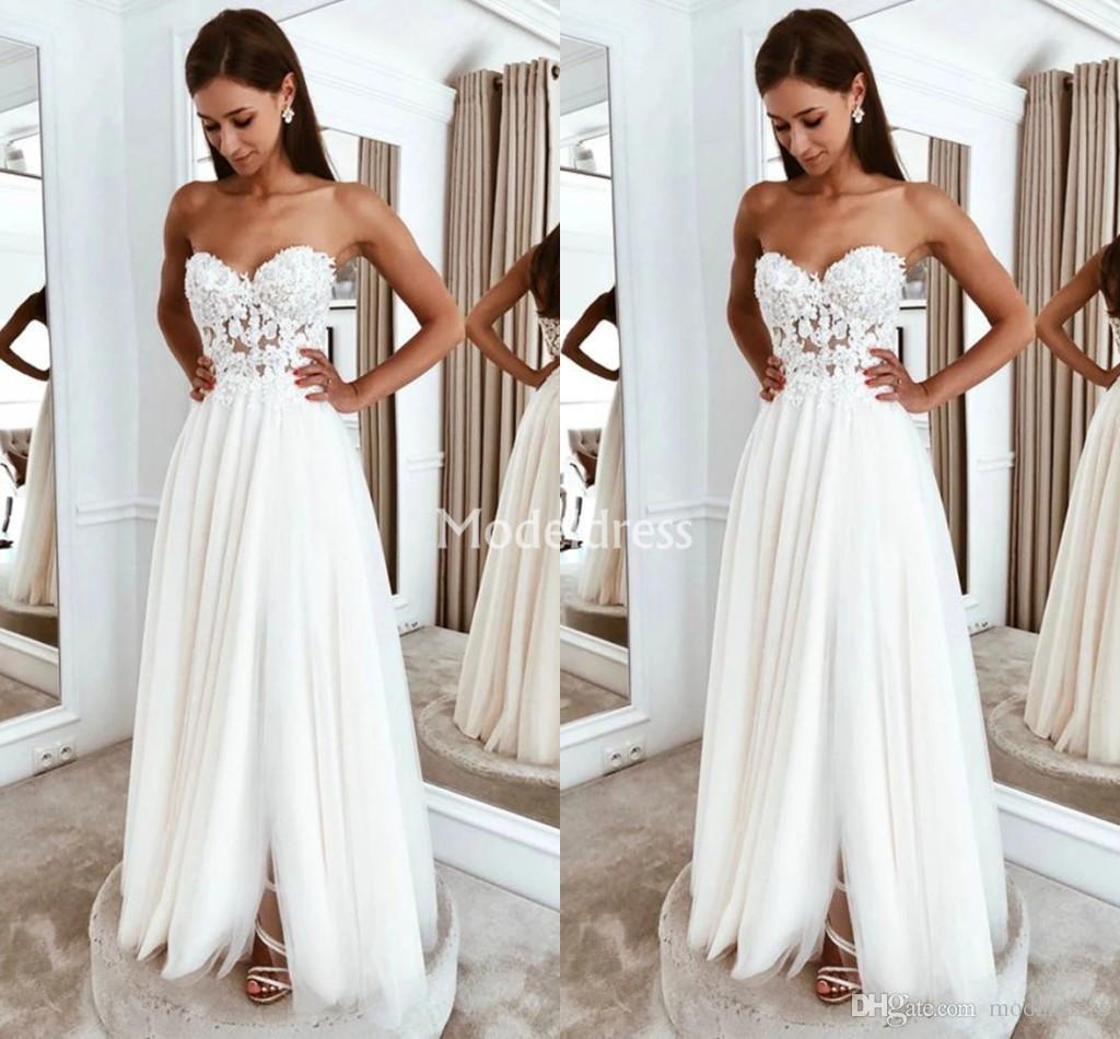 Bohemain Lace Wedding Dresses Strapless Backless Side Split Sweep Train Beach Garden Bridal Gowns Cheap Chic Country Style Vestidoe De Noiva