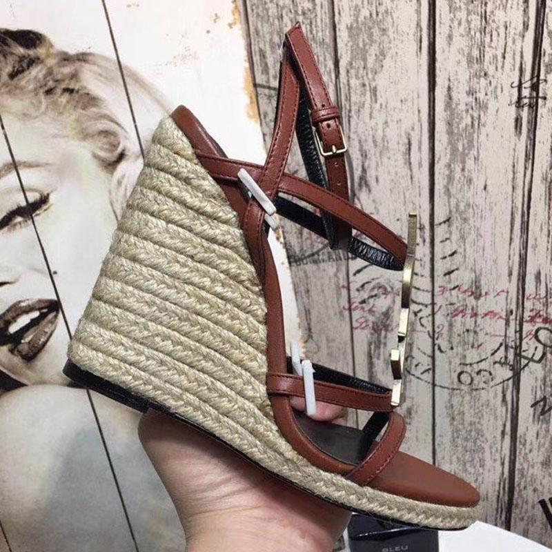 talones al aire libre los altos talones de las sandalias de cuero de la llegada de la moda caliente de la venta nuevo de las mujeres ante suave ocasional de la sandalia de los zapatos de la señora de negro de tamaño grande
