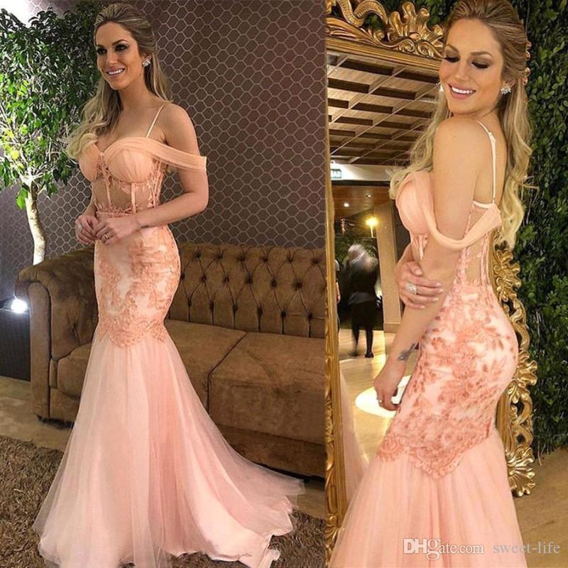 Blush Pink pizzo Prom Dress sirena di Applique eleganti Spaghetti al largo della spalla abito di sera convenzionale lungo partito di usura