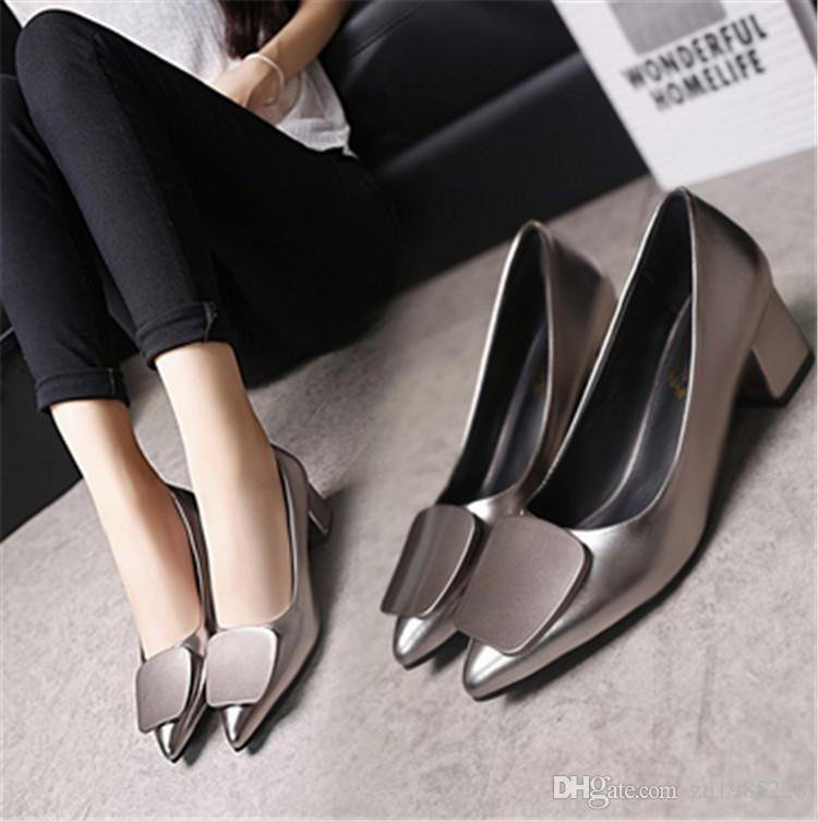 182 moda ayakkabılar yeni stil bayanlar düz ayakkabı kutusu ile yüksek kalite deri yumuşak tabanı ayakkabı size35-41