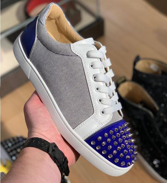 مصمم أحذية عالية الجودة للنساء الرجل الأحمر قماش الوحيد جديد المسامير شقة أحذية رياضية ملابس والاحذية والجلود الموضة في باريس مدرب المشي