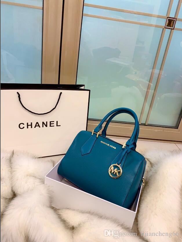 2020 sacs à main de créateurs de mode sacs à bandoulière femme de haute qualité rivet barre oblique chaîne accessoire porte-monnaie sac extérieur J015 livraison gratuite