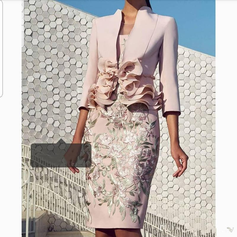 2020 Pale Pink Mother Of the Bride Dresses with 3/4 Long Sleeve Lace Ruffles Knee-length Women Formal Party Wedding Guest Dress