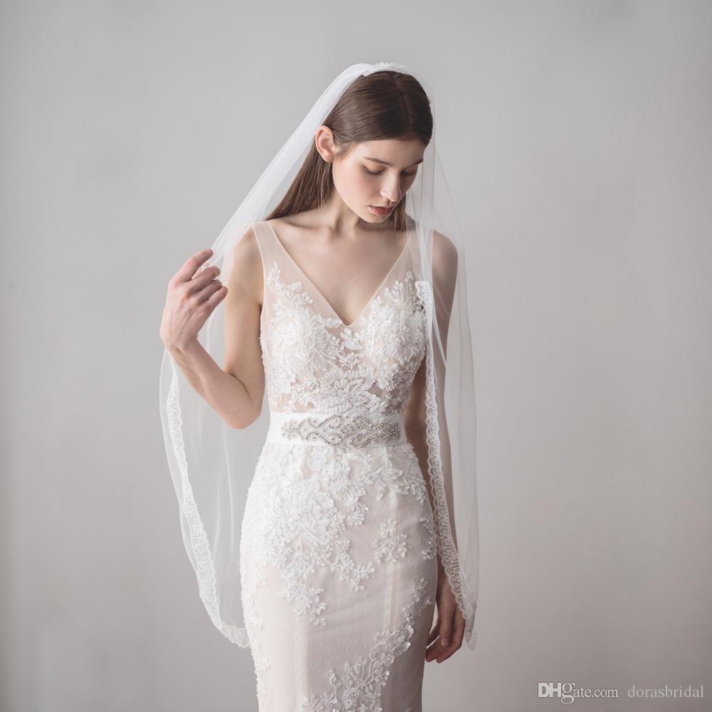 2019 свадебные фаты с расческой свадебные прически один уровень тюль кончик пальца длина свадебные головные уборы фата кружева края DB-V610