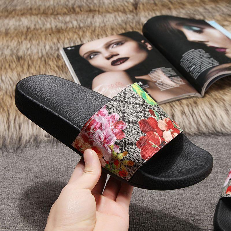 2020 Новые поступления Mens женщин лето сандалии пляжа Slide Casual Тапочки Женская обувь Комфорт печати Кожа Цветы Bee 36-46 с коробкой