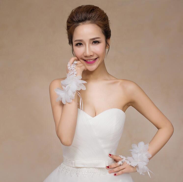 فراشة الدانتيل متابعة قفازات العروس أصابع الدانتيل الكريستال النساء حلم الزفاف اكسسوارات BOWKNOT الأبيض