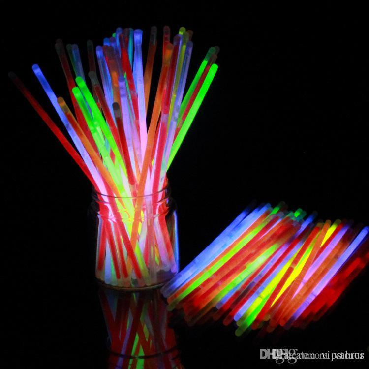 New Fashion Safe Glow Stick Light Necklace Event Festive Party Supplies Glow Stick Creative Design for Party Decorations