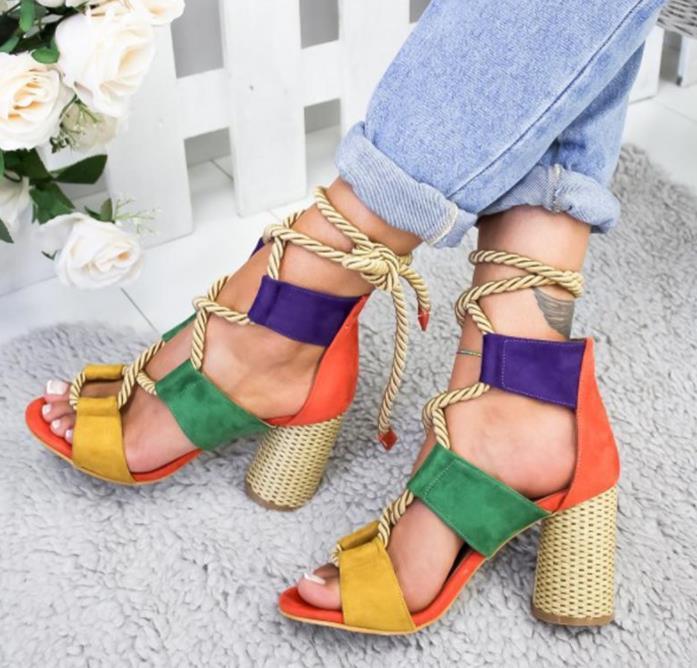Mode féminine sandales à talons lacées d'été épais assortis couleur de style roman bout ouvert sandales décontractée talons hauts de grande taille 35-43