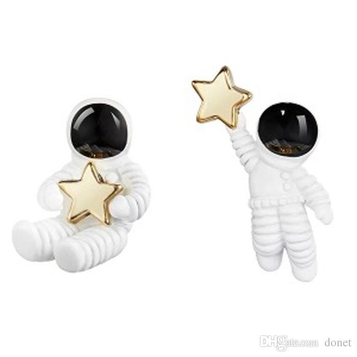 Brincos assimétricos bonitos de prata para mulheres Brincos do parafuso prisioneiro do astronauta para presentes das noivas da dama de honra das mulheres para a menina
