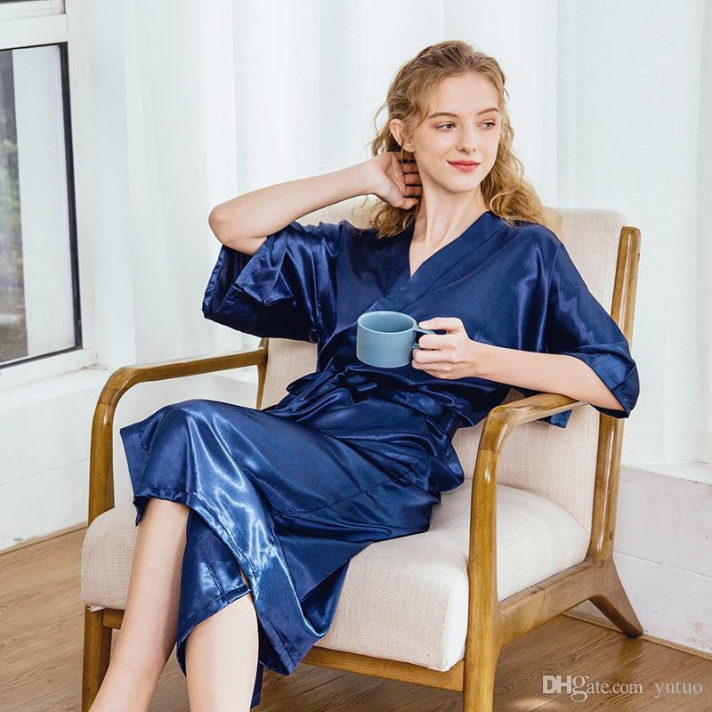 Sıcak Satış Yarım Kol Charmeuse Kadınlar Robe İpek pijamalar Seksi V-Yaka Bornoz Pijama 2020 Yeni Balo Gelinlik Ev Giyim Şal
